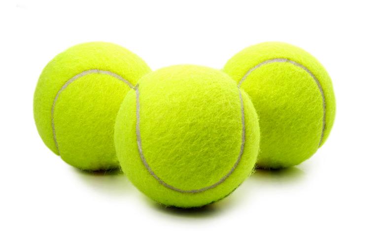 Самомассаж теннисными мячиками поможет избавиться от боли в спине и не только
